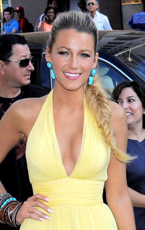 blake-lively-braided-ponytail-june-2012.jpg