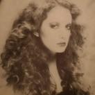 1979-long-curls.jpg