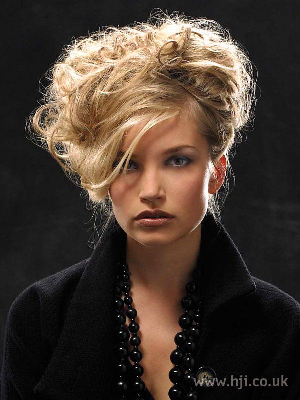 2006-updo-blonde.jpg